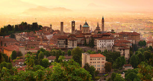 Sunrise at Bergamo old town